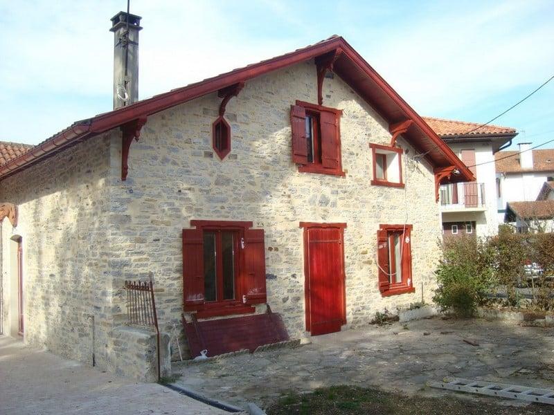 Constructeur de maison ou villa au pays basque - Maison close pays basque ...